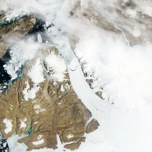 Iceberg twice the size of manhattan broke off glacier in Greenland
