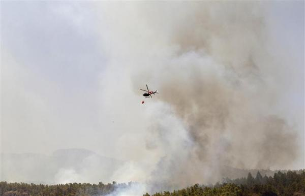 Canary Island fires uncontrolled