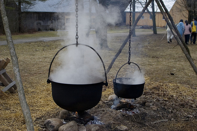maple-sap-boiling
