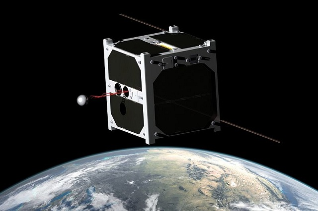 Nano satellite cube housing a smartphone