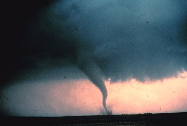 Strong Tornado Hits Oklahoma